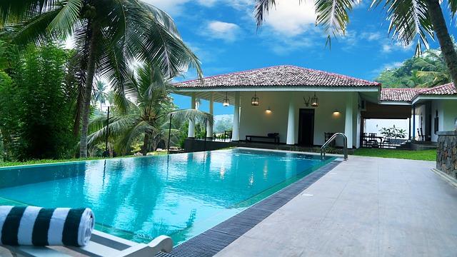 Những mẫu bể bơi biệt thự đẹp và độc đáo