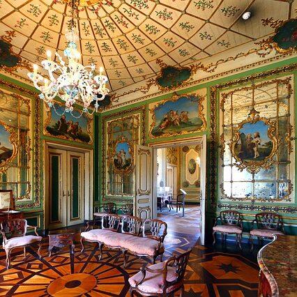 Những đặc trưng của thiết kế nội thất biệt thự cổ điển