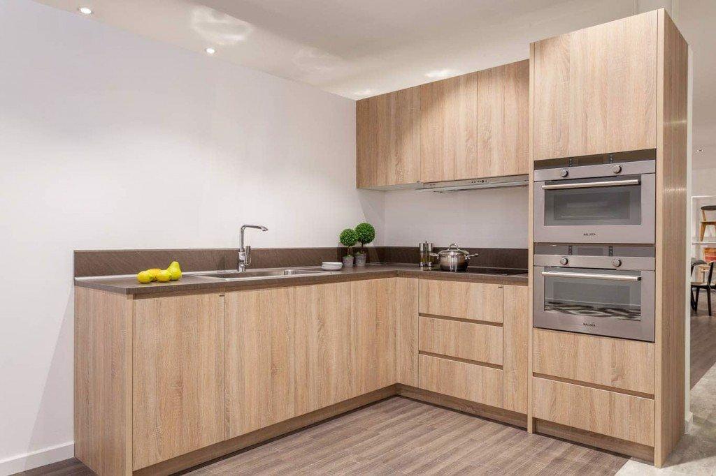 Tủ bếp gỗ MDF không lo bị cong vênh hay mối mọt