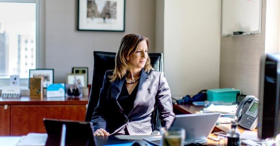 Tư vấn thiết kế nội thất phòng giám đốc nữ quyền lực và phong cách